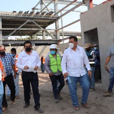 Supervisan modernización de avenidas principales de Apatzingán
